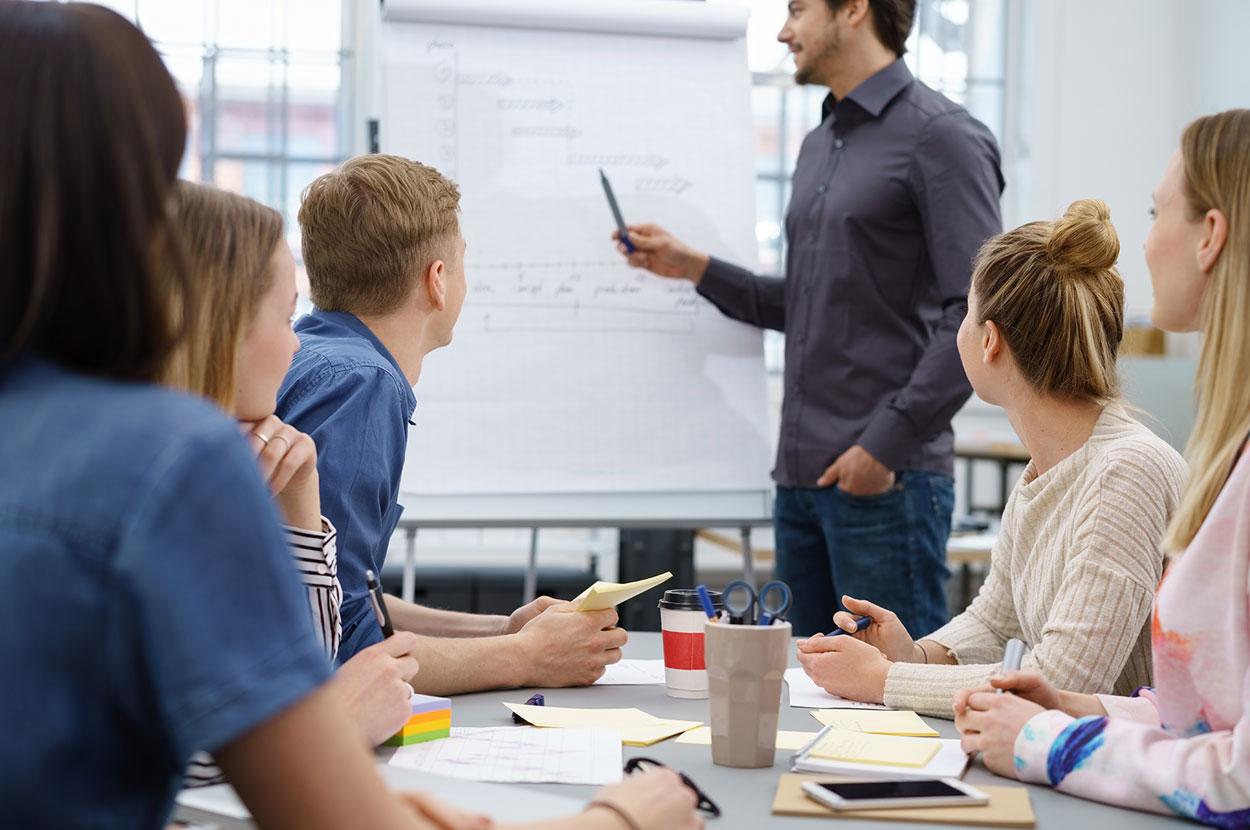 PET-Sprachen Deutschkurse für Führungskräfte